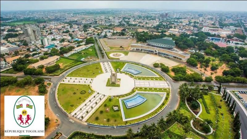 De quel pays Lomé est-elle la capitale ?