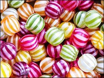 MATHÉMATIQUES - J'ai 11 bonbons. Un ami m'en donne 3 fois plus. Combien en ai-je maintenant ?