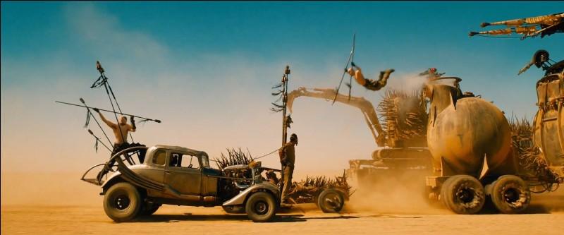 Dans quel film voit-on une certaine Furiosa s'enfuir avec des mères porteuses dans un camion-citerne pour rejoindre la terre promise végétale avec, à ses trousses, le tyrannique Immortan Joe ?