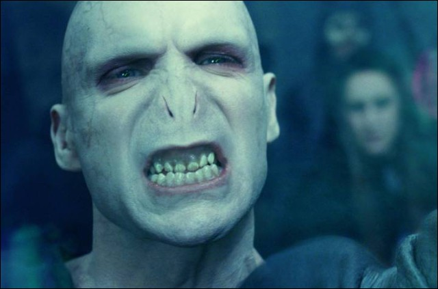 Quel titre Voldemort s'est-il conféré à lui-même ?