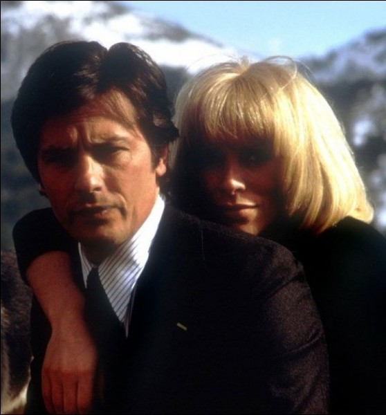 Quel est ce film de Georges Lautner qui réunit Mireille Darc et Alain Delon ?