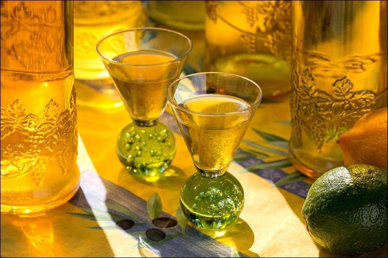 Quelle est cette boisson italienne, alcoolisée à base de citron ?