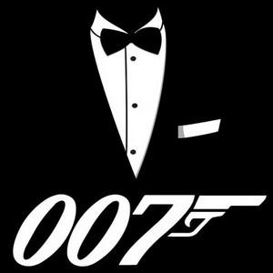 """Qui est la James Bond girl dans """"Meurs un autre jour"""" ?"""