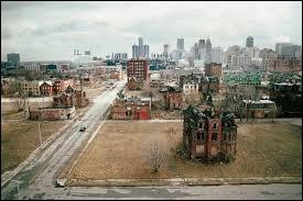 Quelle ville a été abandonnée par ses habitants dans le Michigan ?