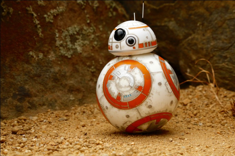 BB-8 est le robot de Luke Skywalker :