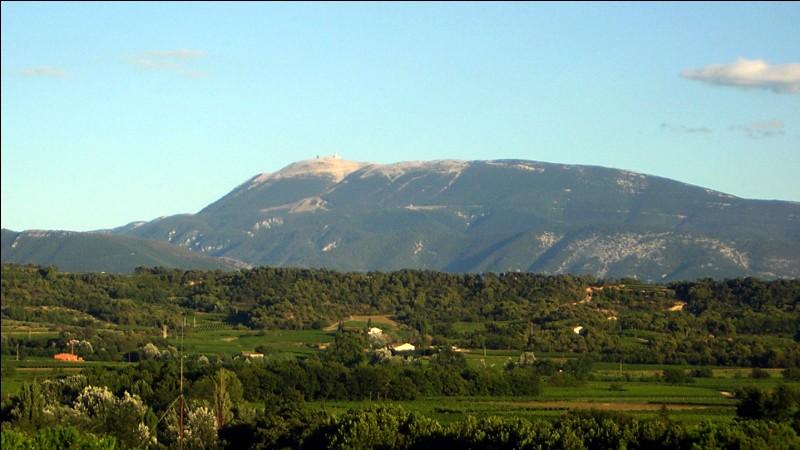 De quel département le mont Ventoux culminant à 1 911 m est-il le plus haut sommet ?