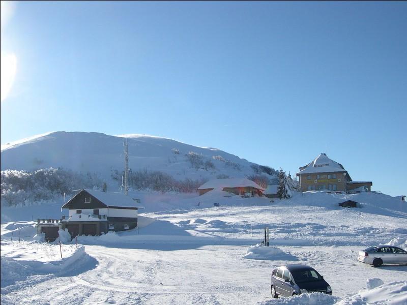 À 1 424 m, il est le point culminant du massif des Vosges. Quel est son nom ?
