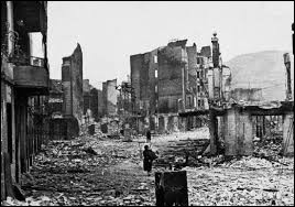 Quelle ville espagnole a été bombardée le 26 avril 1937 ?