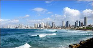 Dans quel pays se situe la ville de Tel Aviv ?