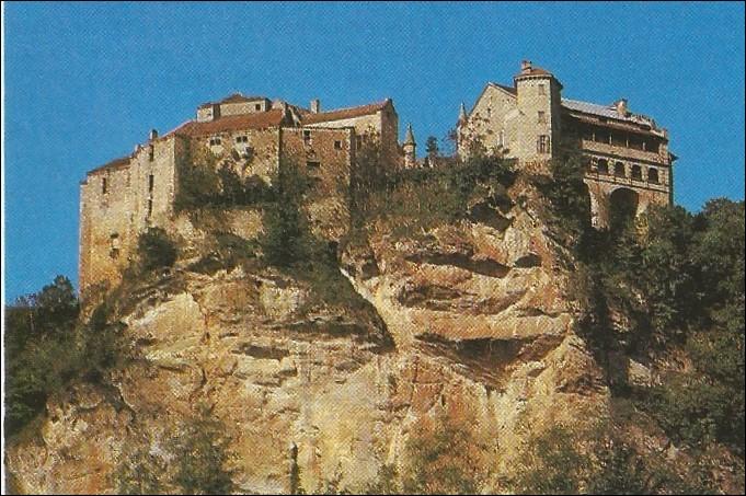 Quel nom porte le château de Bruniquel ?