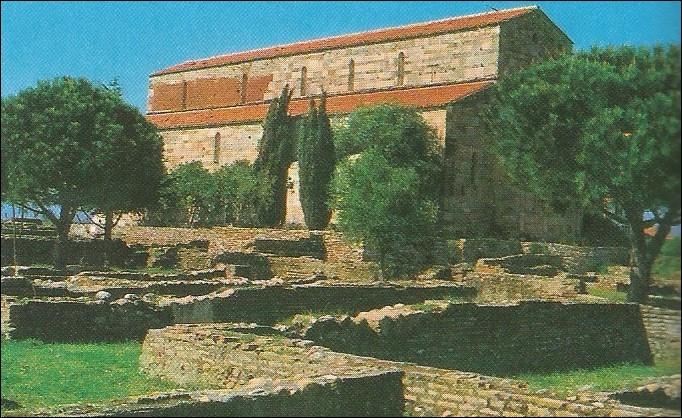 Où peut-on visiter cette importante église romane ?