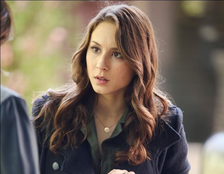 Qui est la mère biologique de Spencer ?