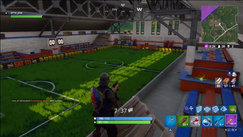 Que se passe-t-il quand on marque un but sur l'un des terrains de foot ?