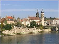 Comment appelle-t-on les habitants de Melun (Seine-et-Marne) ?