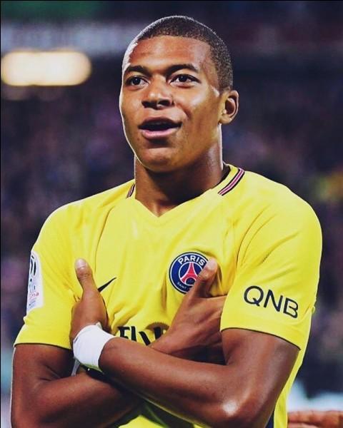 Je suis français et j'ai joué à l'AS Monaco.
