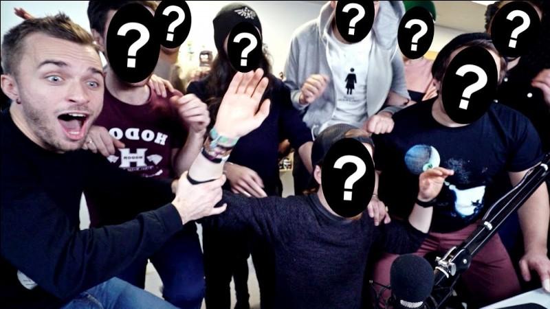 """Dans la vidéode Squeezie """"1 challenge 10 youtubeurs"""" qui sont tout les youtubeurs invitée par Squeezie ?"""