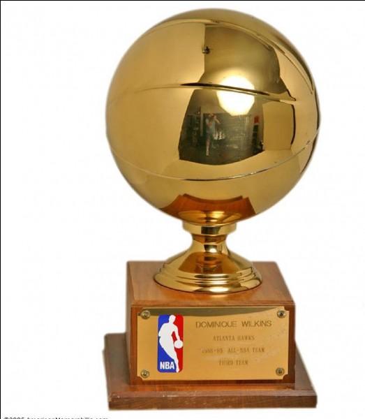 Qui a gagné le titre NBA en 2015 ?