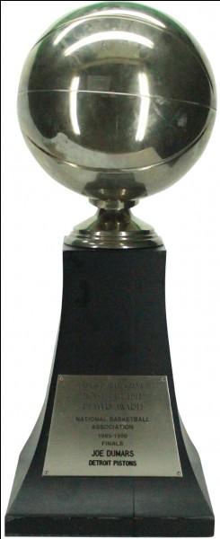 Qui a gagné le titre NBA en 2004 ?