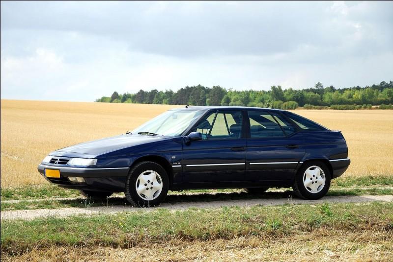 En quelle année la commercialisation de la Citroën XM a-t-elle débuté ?
