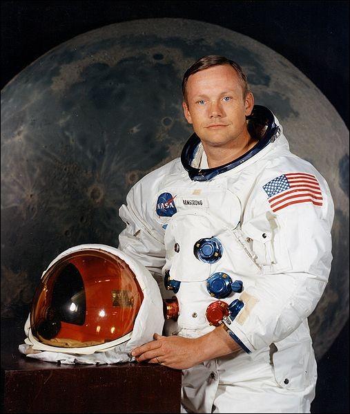 Qui est le premier homme à avoir posé le pied sur la Lune ?