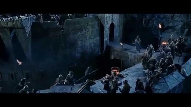 Quelle bataille a lieu au gouffre de Helm ?