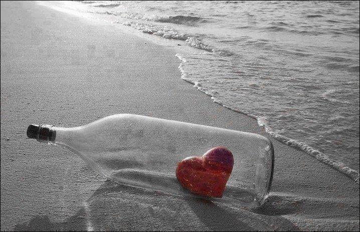 """""""Comme un fou va jeter à la mer / Des bouteilles vides et puis espère / Qu'on pourra lire à travers"""". A qui doit-on ces paroles ?"""