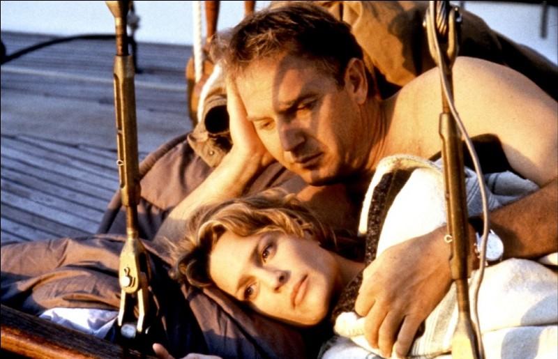 """Quelle actrice partage l'affiche du film """"Une bouteille à la mer"""" avec Kevin Costner en 1999 ?"""