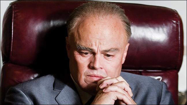 Démontrez votre intuition en dévoilant qui se cache sous les traits d'Edgar J Hoover !