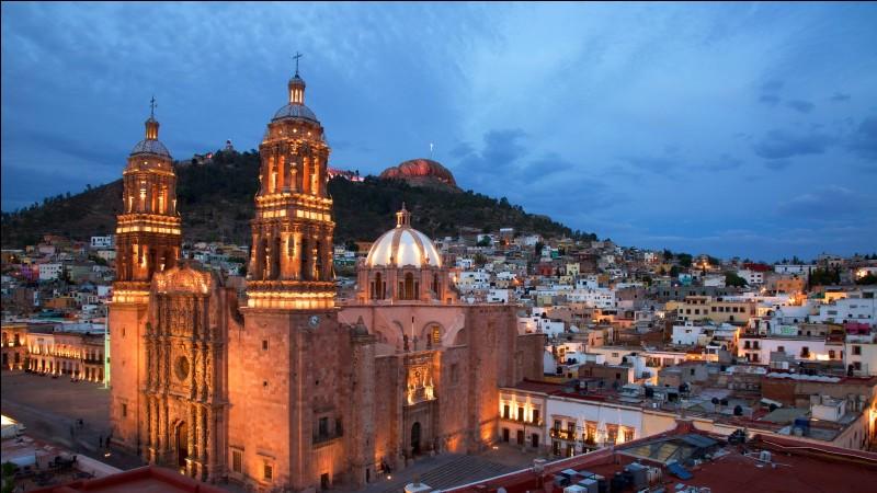 Où se trouve la ville minière de Zacatecas ?