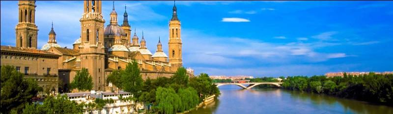 Zaragoza ou Saragosse est une importante ville, de quel pays ?