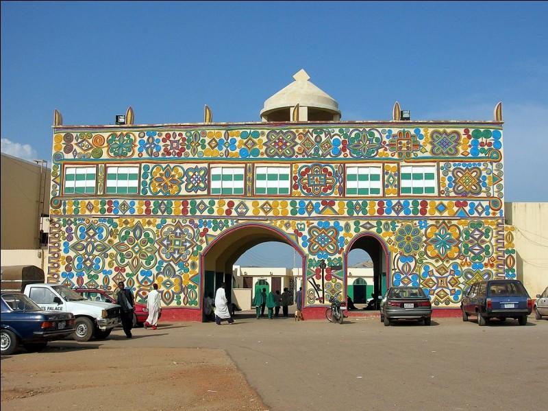Dans quel pays africain se situe la ville de Zaria ?