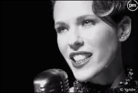 Elle débuta sa carrière suite à son premier single qui fut diffusé gratuitement sur Internet en 2000, il s'agit de...