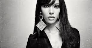 Elle a commencé sa carrière en faisant des duos avec K.Maro qui est son producteur, il s'agit de...