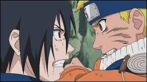 Que fait le meilleur ami de Naruto à la fin de la première saison ?