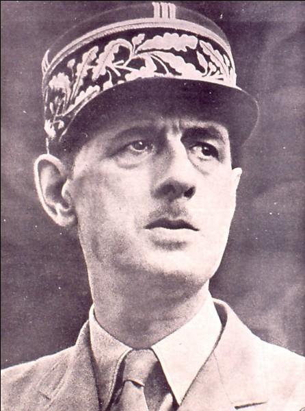 Comment se nomme le gouvernement né du prestige du général Charles de Gaulle en 1944 ?