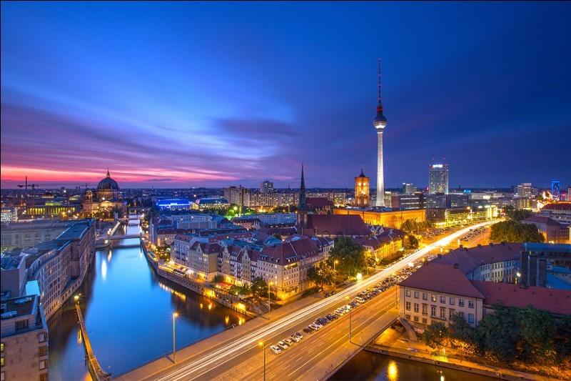 Ville d'Allemagne ou de Suisse. - (1)