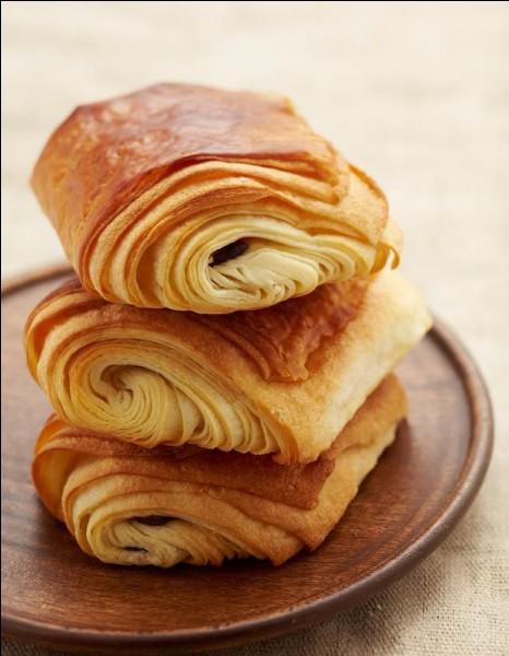 Quel autre terme est utilisé pour désigner un pain au chocolat ?