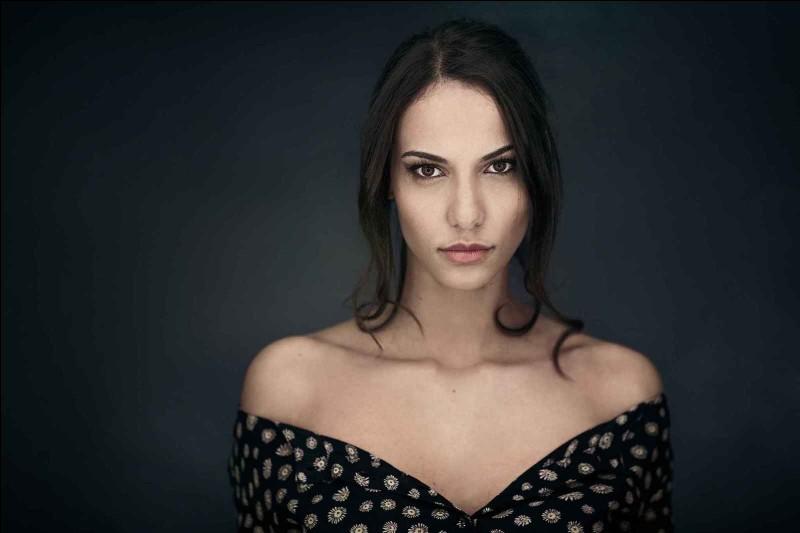 Qui est cette Miss Bretagne 2015 destituée suite à une photo controversée ?