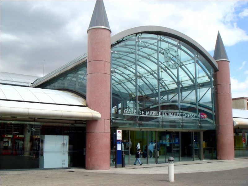 En quelle année la gare TGV a-t-elle été inaugurée ?