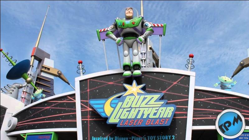 En quelle année a ouvert Buzz Lightyear Laser Blast ?