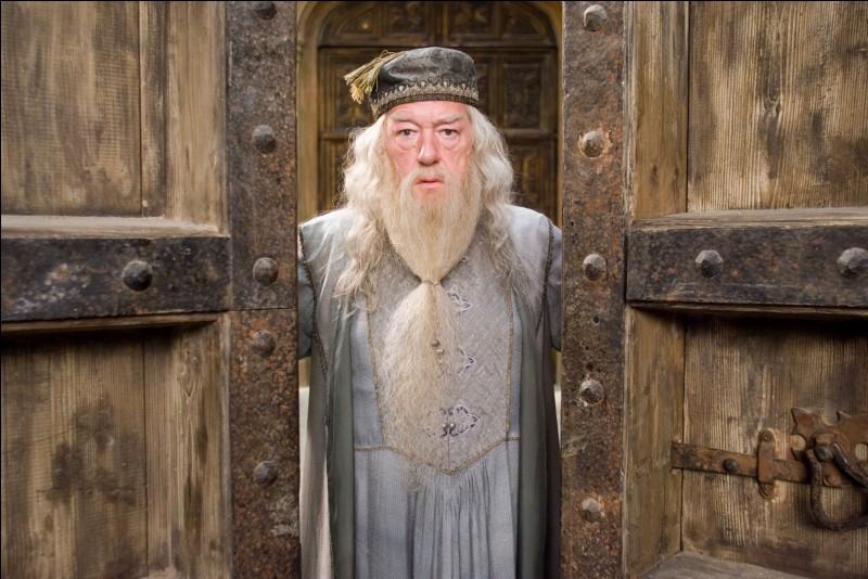 Quel est le nom complet et dans l'ordre d'Albus Dumbledore ?