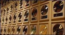 Combien a-t-il obtenu de disques de diamant, de disques d'or et de disques de platine ?