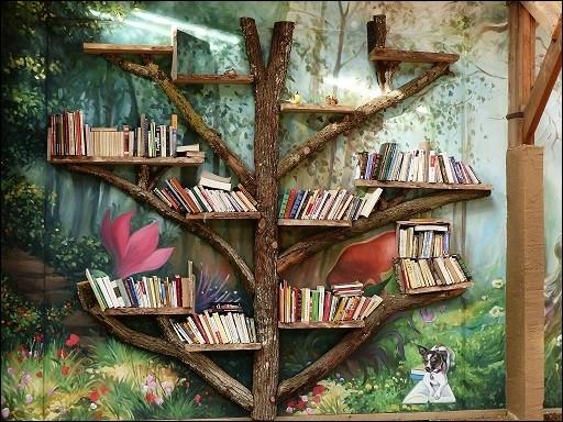 Quelle double impression peut vous procurer la lecture sous un arbre ?