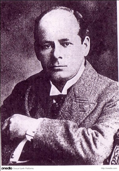 Morgan Robertson aurait prédit dans un de ses livres le naufrage du Titanic quatorze ans avant celui-ci. Comment se nomme ce livre ?