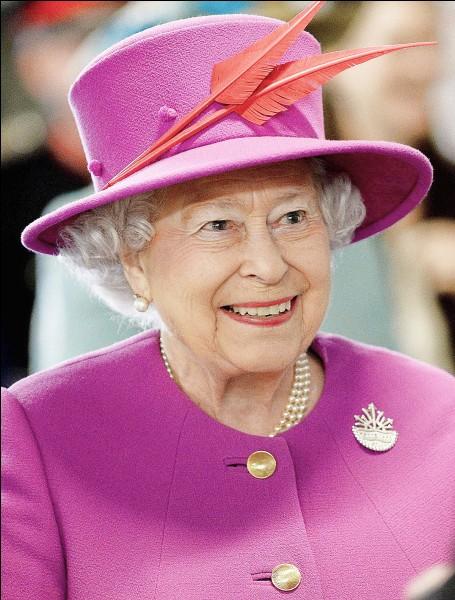 Partie 4 : Histoire. En quelle année la reine Elisabeth II a-t-elle accédé au trône ?