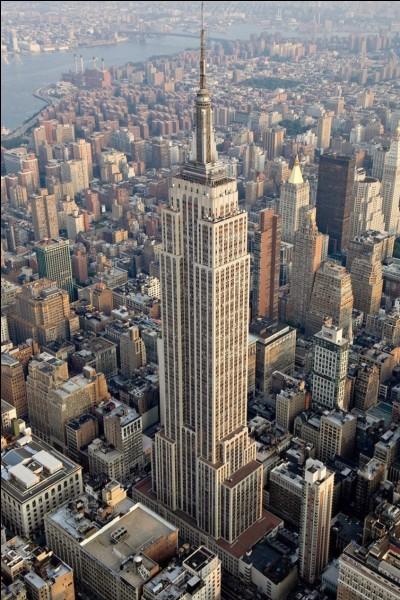 Combien d'étages compte la tour ?