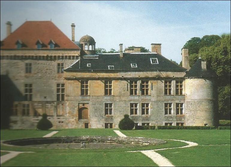 Dans quel département peut-on visiter le château du Pailly ?