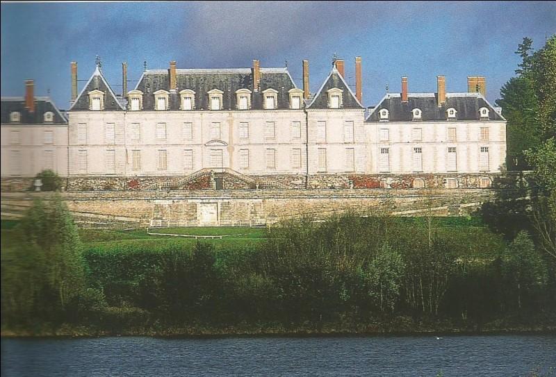Dans quelle commune se trouve ce château du Loir-et-Cher ?