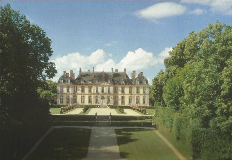 Dans quelle commune se trouve ce château où l'on peut voir la chambre du Perroquet ?