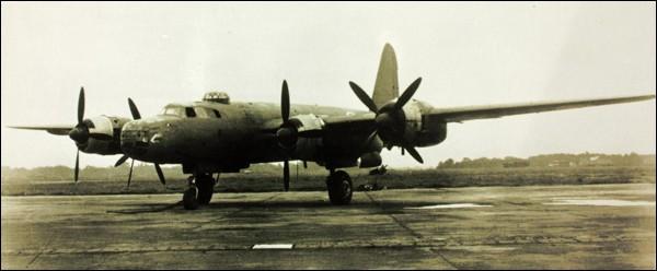 Le premier vol de ce bombardier quadrimoteur a eu lieu en octobre 1944. Seuls 4 exemplaires ont été construits et n'ont pas participé aux opérations militaires. Quel est cet appareil ?